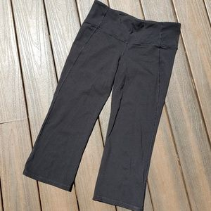Lululemon Relaxed Fit Capris Black Size 10 Large